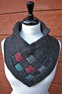 Be Weaving Crochet Cowl