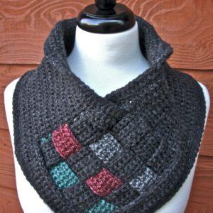 Be Weaving Crochet Cowl