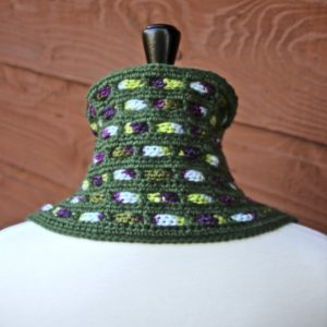 Cascading Colors Crochet Cowl