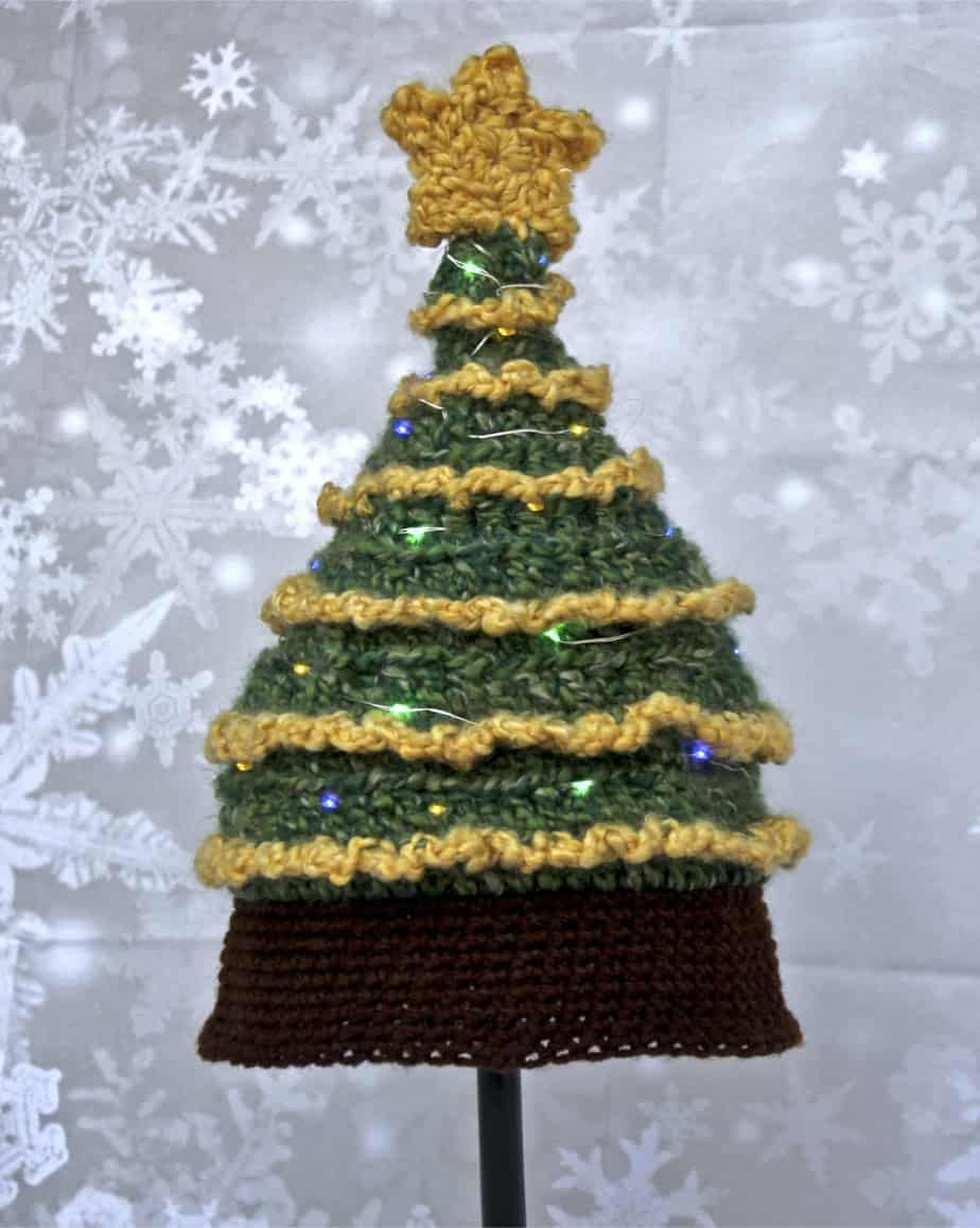 f828fc7e972 Light Me Up Christmas Tree Hat Free Crochet Pattern