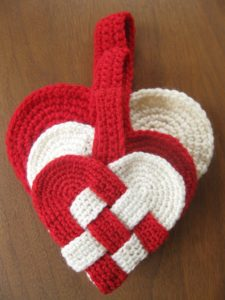 Danish Heart Crochet Pattern by Alipyper