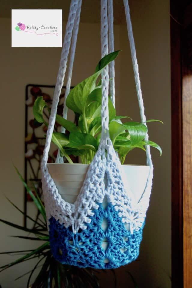 Never-Ending Star Plant Hangers by Kristyn Crochets