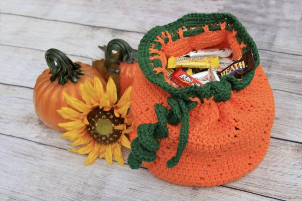 Treat Me Crochet Bag Free Pattern