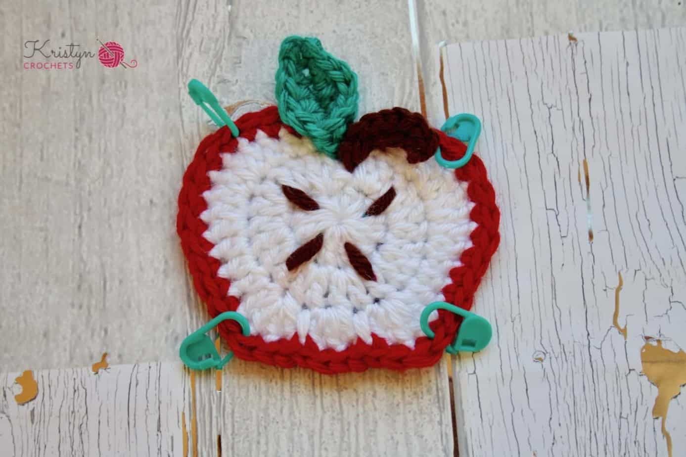 Apple Granny Square a free crochet pattern