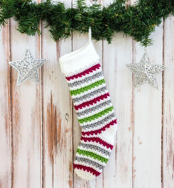 Crochet Christmas Stockings free pattern roundup