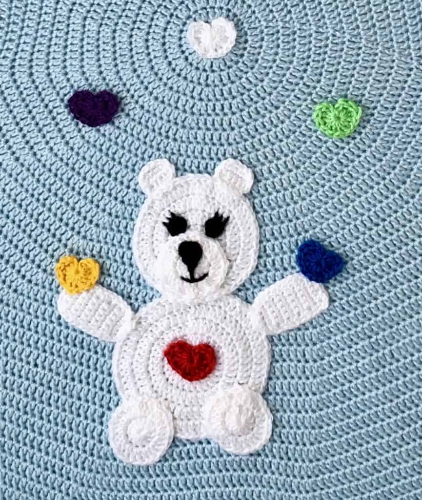 Love Bear Rainbow Baby Blanket video tutorial