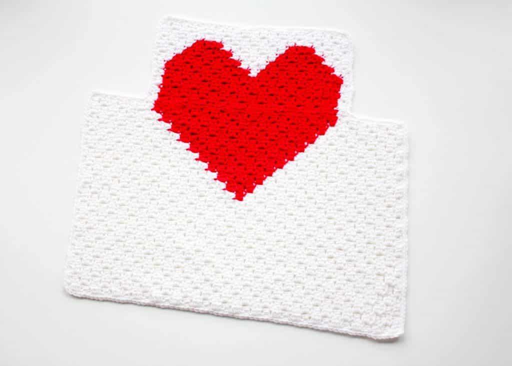 Heart C2C Child Apron free crochet pattern