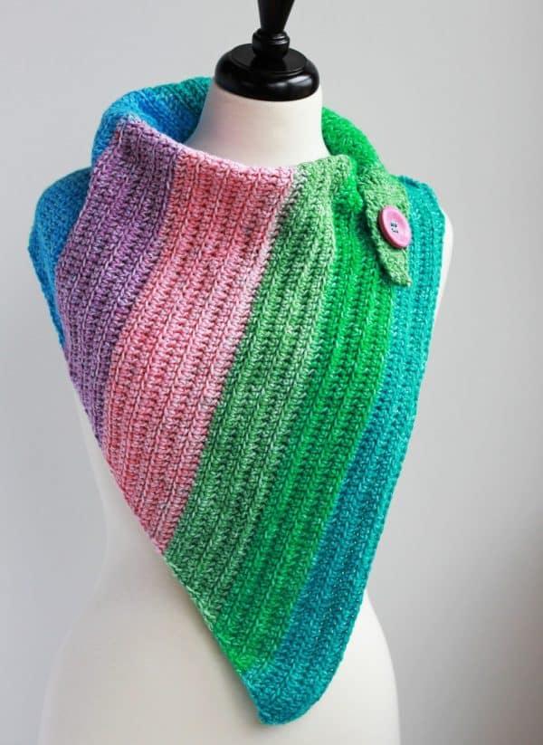 Easy Breezy Day Cowl free crochet pattern