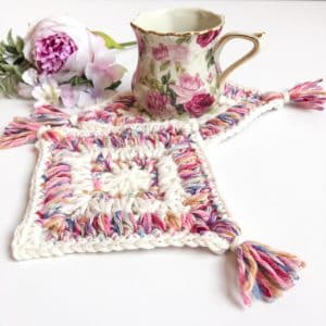 Flower Garden Diamond Coaster free crochet pattern