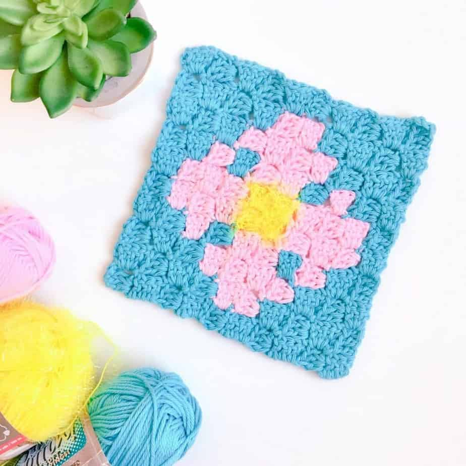 Flower Scrubby C2C Dishcloth flat