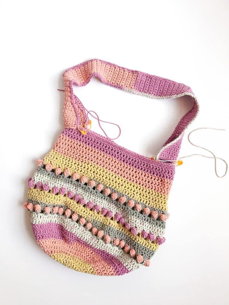 Gathering Rosebuds Market Bag free crochet pattern attach straps