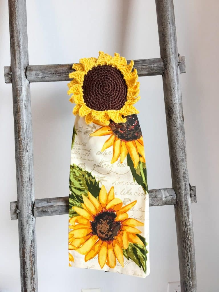 Sunflower Towel Topper crochet pattern hang on ladder