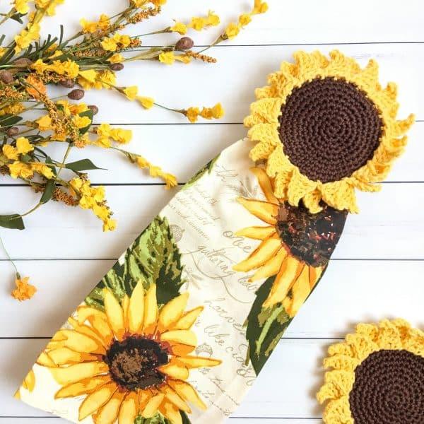Sunflower Towel Topper crochet pattern flat