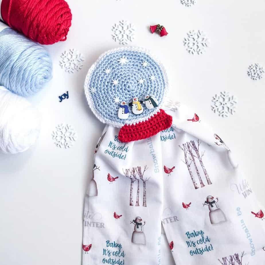 Snow Globe Towel Topper Free Crochet Pattern