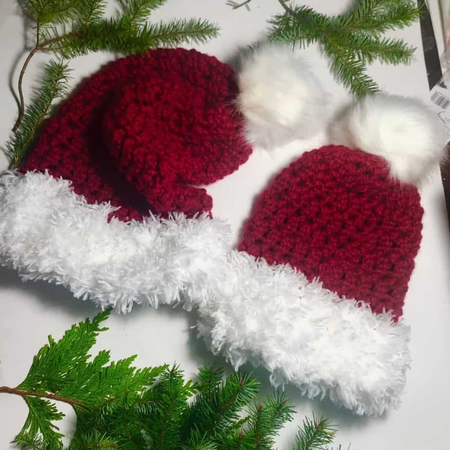 Holly Jolly Beanie crochet pattern by Carroway Crochet