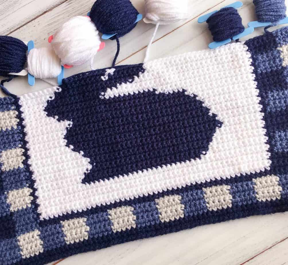 Gingham Bunny Placemat free crochet pattern