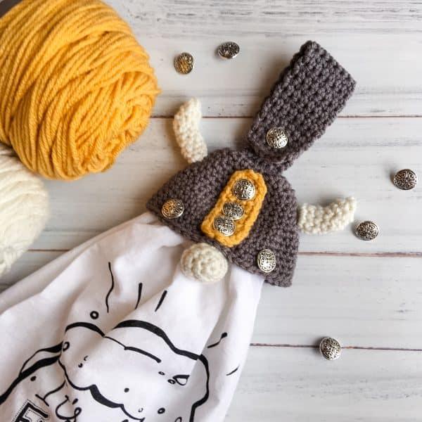 crochet gnome towel topper
