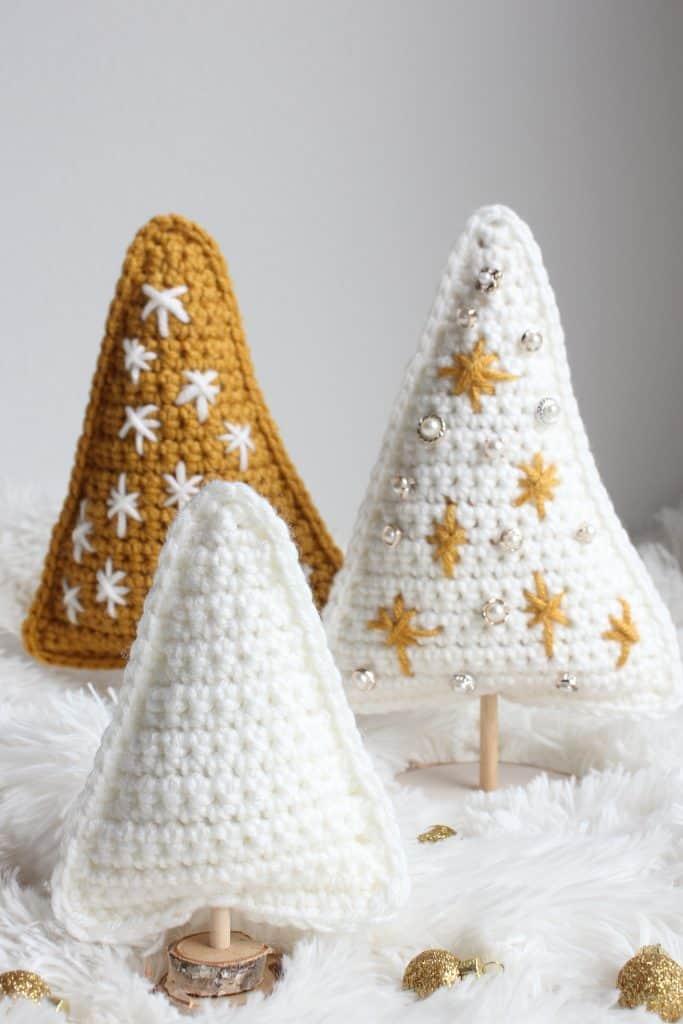 Christmas Tree Stand free crochet pattern