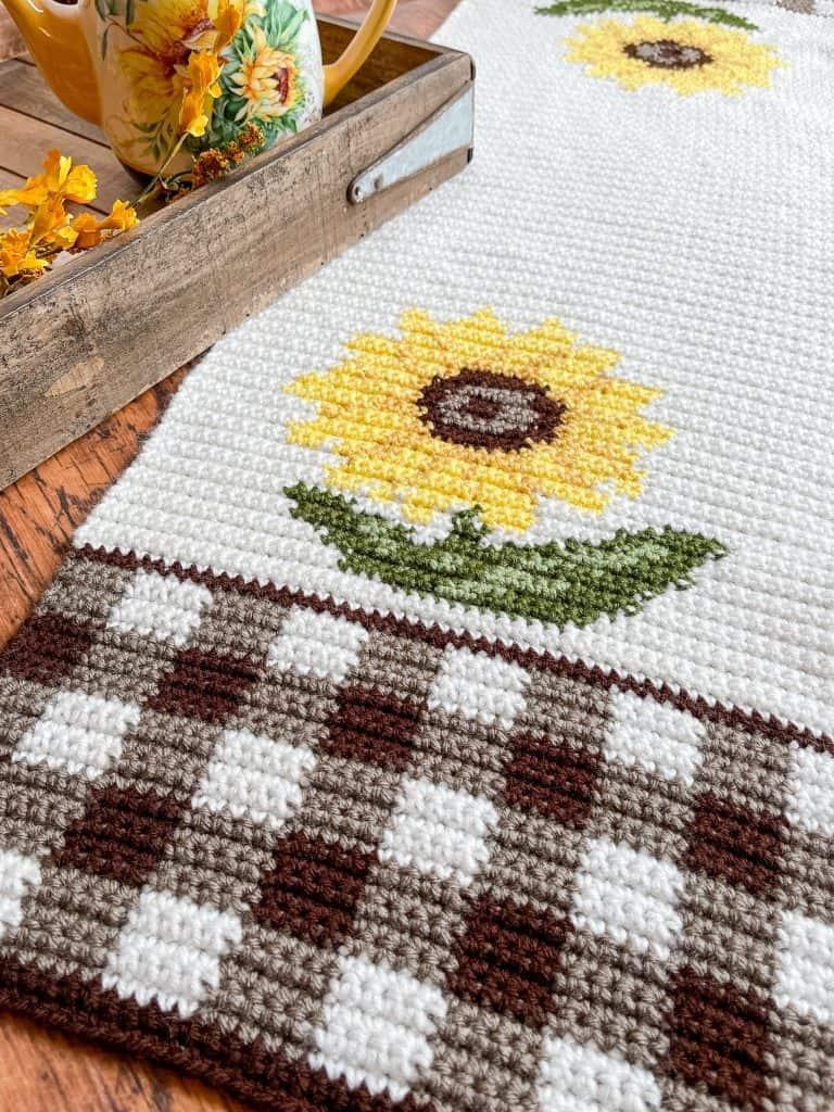 Crochet Sunflower Table Runner free pattern