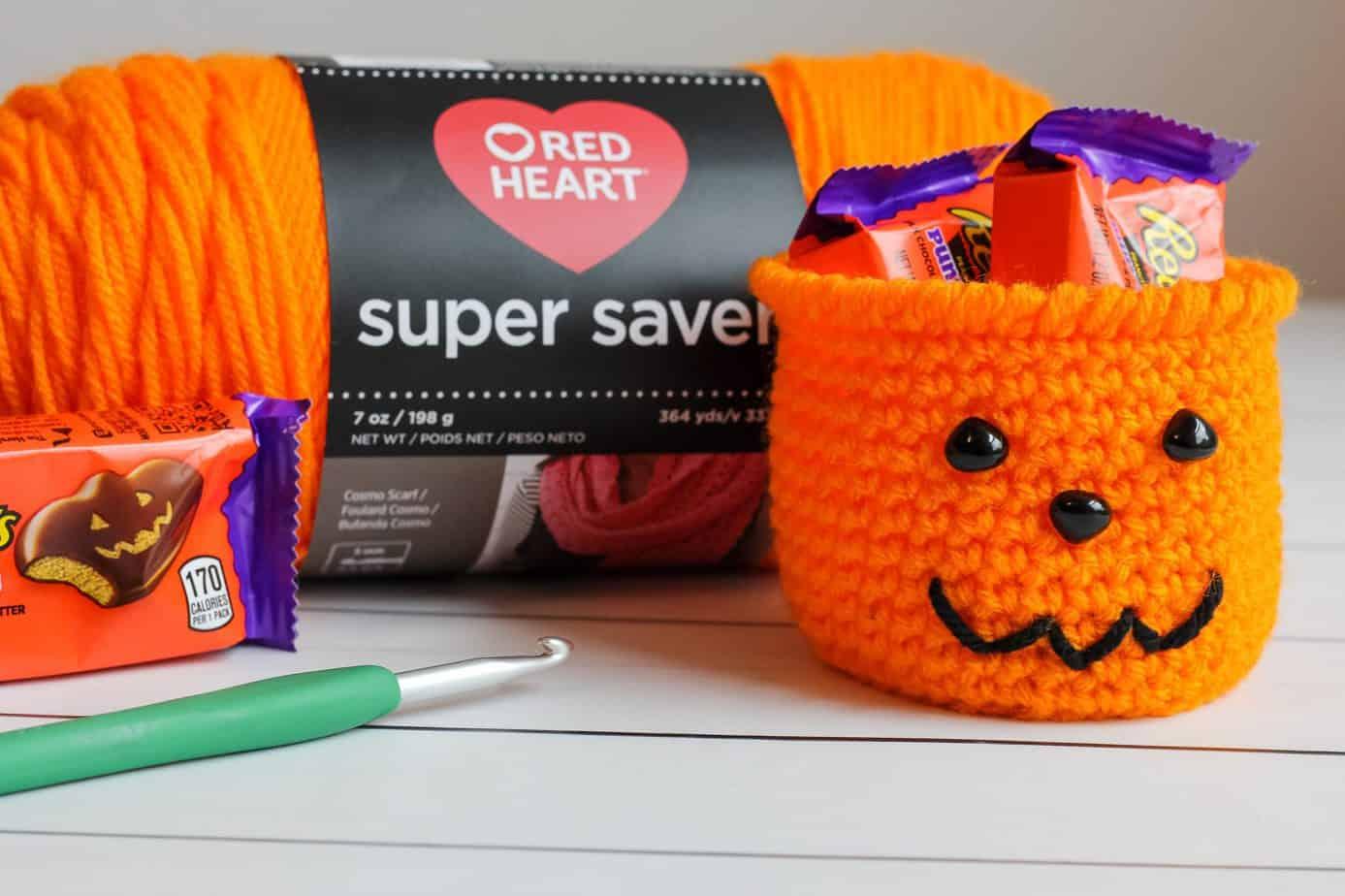 Halloween crochet pattern jack o'lantern